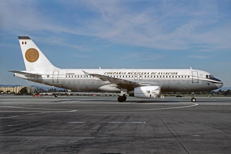 Mexicana's Airbus A320 retro jet