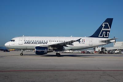 Mexicana Airbus A319-112 N872MX (msn 1872) MIA (Bruce Drum). Image: 103825.