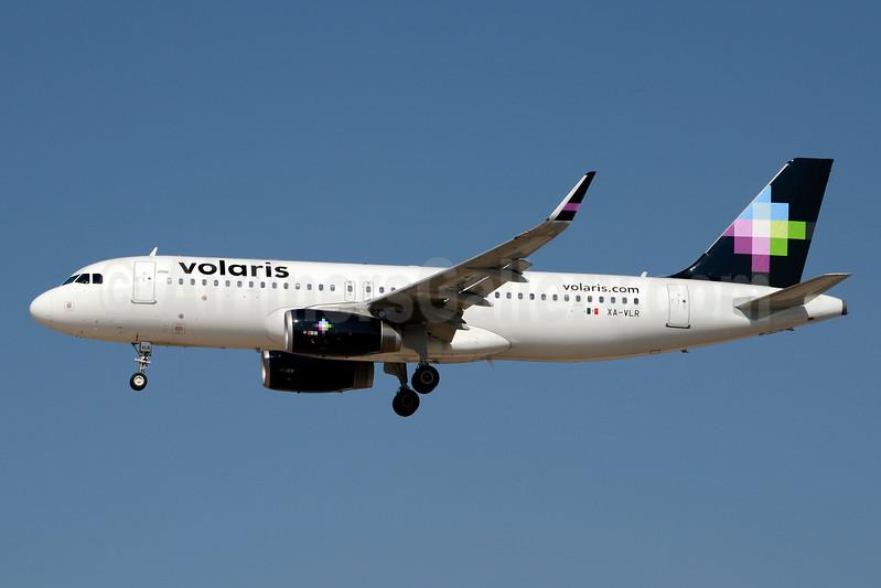 Volaris Airbus A320-233 WL XA-VLR (msn 7118) LAS (Jay Selman). Image: 403442.