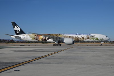 Air New Zealand Boeing 777-319 ER ZK-OKP (msn 39041) (The Airline of Middle Earth - The Hobbit: An Unexpected Journey) LAX (Roy Lock). Image: 909928.