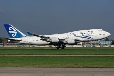 Air New Zealand Boeing 747-4F6 ZK-SUJ (msn 27602) LHR (SPA). Image: 924538.