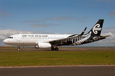 Air New Zealand Airbus A320-232 WL ZK-OXB (msn 5682) (Sharklets) AKL (Colin Hunter). Image: 913741.