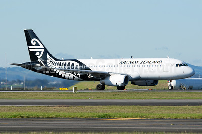 Air New Zealand Airbus A320-232 WL ZK-OXE (msn 5993) (Sharklets) AKL (Colin Hunter). Image: 923808.