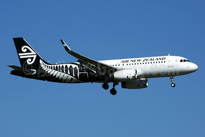 Air New Zealand Airbus A320-232 WL ZK-OXC (msn 5847) AKL (Rob Finlayson). Image: 928711.
