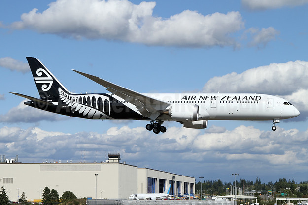 Air New Zealand Boeing 787-9 Dreamliner ZK-NZI (msn 37965) PAE (Nick Dean). Image: 933760.