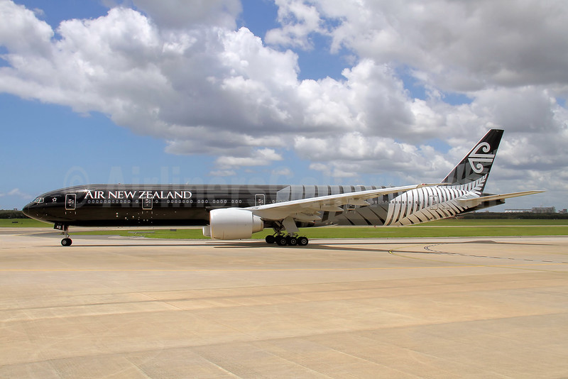 Air New Zealand Boeing 777-319 ER ZK-OKQ (msn 40689) (All Blacks-Crazy about Rugby) BNE (Peter Gates). Image: 908184.