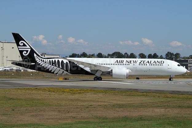 Air New Zealand Boeing 787-9 Dreamliner ZK-NZJ (msn 37966) PAE (Nick Dean). Image: 934340.
