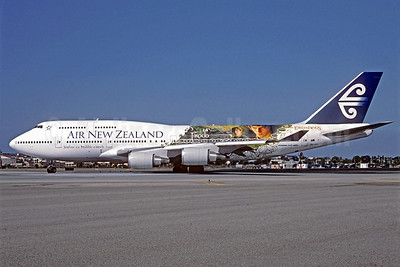 Air New Zealand Boeing 747-419 ZK-NBV (msn 26910) (Lord of the Rings - Frodo) LAX (Roy Lock). Image: 909930.