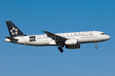 Air New Zealand Airbus A320-232 ZK-OJH (msn 2257) (Star Alliance - 15 Years) AKL (Colin Hunter). Image: 908744.