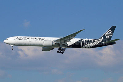Air New Zealand Boeing 777-319 ER ZK-OKR (msn 44546) LAX (Michael B. Ing). Image: 927094.
