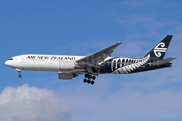 Air New Zealand Boeing 777-219 ER ZK-OKE (msn 32712) LAX (Michael B. Ing). Image: 937555.