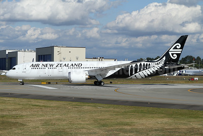 Air New Zealand Boeing 787-9 Dreamliner ZK-NZI (msn 37965) PAE (Nick Dean). Image: 933759.