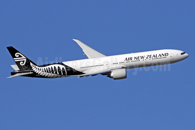 Air New Zealand Boeing 777-319 ER ZK-OKN (msn 38406) LHR (SPA). Image: 941331.