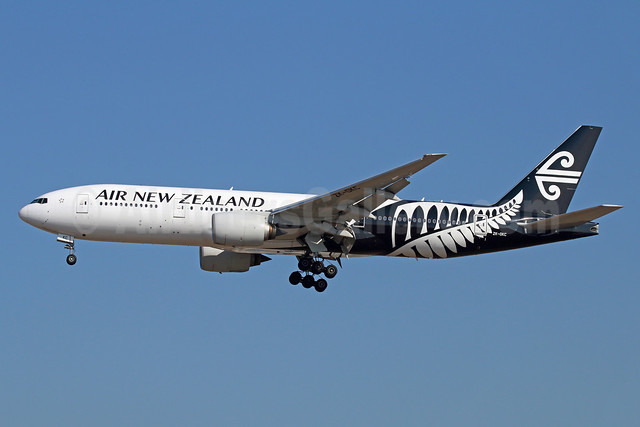 Air New Zealand Boeing 777-219 ER ZK-OKC (msn 34377) LAX (Michael B. Ing). Image: 927092.