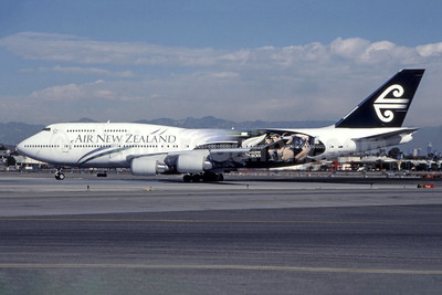 "ANZ's original 1999 ""New Zealand All Blacks"" livery"