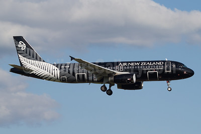 Air New Zealand Airbus A320-232 ZK-OAB (msn 4553) (All Blacks-Crazy about Rugby) AKL (Micheil Keegan). Image: 908553.