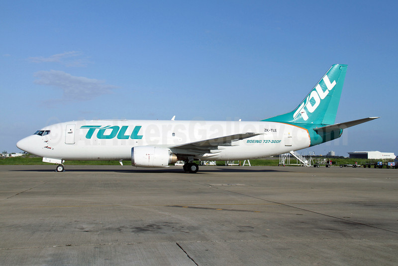 Toll Group (Airwork) Boeing 737-3S1 (SF) ZK-TLE (msn 24834) BNE (Peter Gates). Image: 908110.