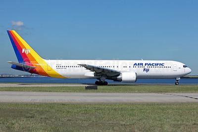 Air Pacific (2nd) (Fiji) Boeing 767-3X2 ER DQ-FJC (msn 26260) SYD (John Adlard). Image: 922100.