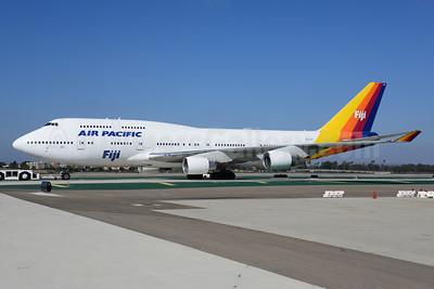 Air Pacific (2nd) (Fiji) Boeing 747-412 DQ-FJK (msn 24064) LAX (Ton Jochems). Image: 921039.