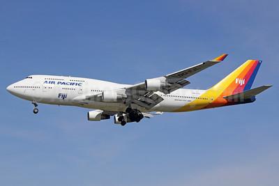 Air Pacific (2nd) (Fiji) Boeing 747-412 DQ-FJL (msn 24062) LAX (Michael B. Ing). Image: 922101.