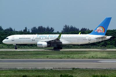 Palau Airways (TonleSap Airlines) Boeing 757-256 WL XU-TSC (msn 26251) TPE (Manuel Negrerie). Image: 908292.