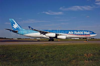 Air Tahiti Nui Airbus A340-313 F-OJGF (msn 385) JFK (Ken Petersen). Image: 901892.