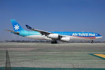 Air Tahiti Nui Airbus A340-313 F-OSUN (msn 446) LAX (Bruce Drum). Image: 104469.