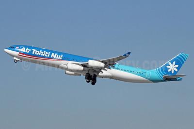Air Tahiti Nui Airbus A340-313 F-OSUN (msn 446) LAX (Michael B. Ing). Image: 921041.