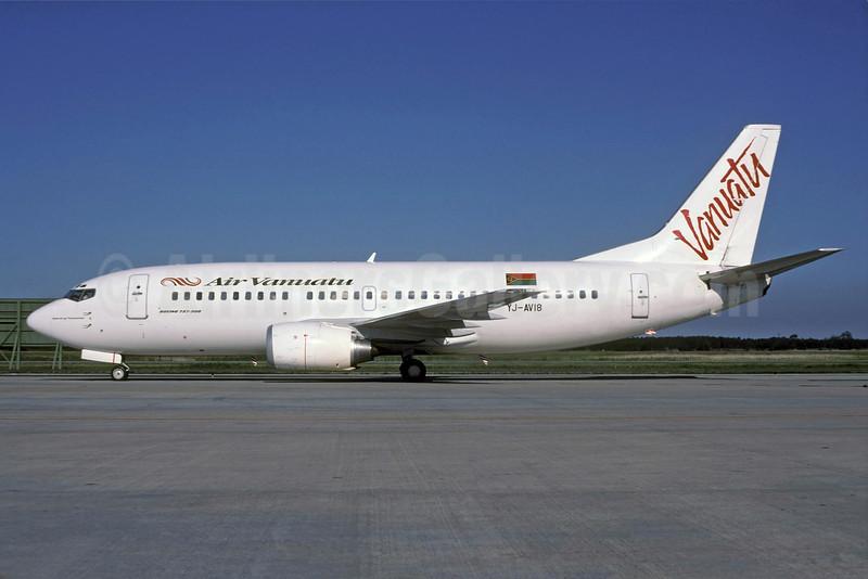 Air Vanuatu Boeing 737-3Q8 YJ-AV18 (msn 28054) BNE (Rolf Wallner). Image: 912816.