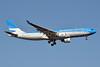 Aerolineas Argentinas Airbus A330-223 LV-FNL (msn 364) JFK (Jay Selman). Image: 402372.