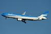 Aerolineas Argentinas Airbus A330-202 LV-FVH (msn 1605) JFK (Fred Freketic). Image: 935535.
