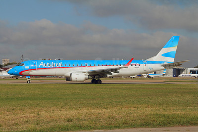 Austral Lineas Aereas Embraer ERJ 190-100 IGW LV-CIG (msn 19000427) AEP (Marcelo F. De Biasi). Image: 907808.