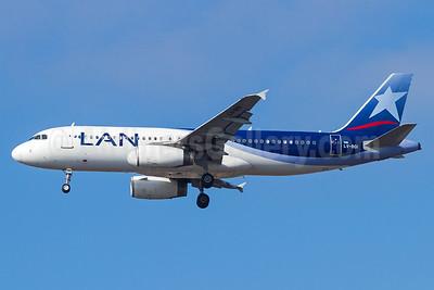 LAN Argentina Airbus A320-233 LV-BGI (msn 1903) GRU (Rodrigo Cozzato). Image: 935422.