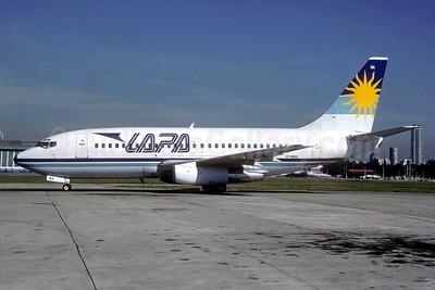 LAPA (Líneas Aéreas Privadas Argentinas) Boeing 737-2T4 LV-WNA (msn 22368) AEP (Christian Volpati). Image: 939688.
