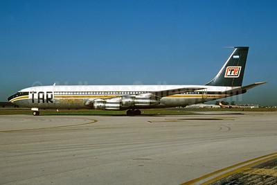TAR Cargo (Transporte Aereo Rioplatense) Boeing 707-338C LV-MZE (msn 18297) MIA (Bruce Drum). Image: 104165.