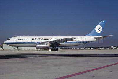 Lloyd Aereo Boliviano-LAB (VASP) Airbus A300B2-203 PP-SNN (msn 225) (VASP colors) MIA (Bruce Drum). Image: 105176.