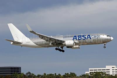 ABSA Cargo (ABSA Airline) Boeing 767-346F ER PR-ACQ (msn 35818) MIA (Brian McDonough). Image: 931886.