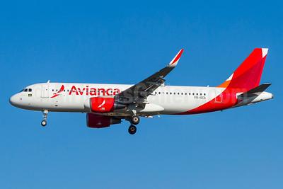 Avianca (Brazil) (OceanAir Linhas Aereas) Airbus A320-214 WL PR-OCA (msn 6125) GRU (Rodrigo Cozzato). Image: 930447.