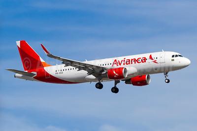 Avianca (Brazil) (OceanAir Linhas Aereas) Airbus A320-214 WL PR-OCD (msn 6173) GRU (Rodrigo Cozzato). Image: 925811.