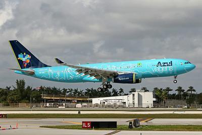 Azul Brasil (Azul Linhas Aereas Brasileiras) Airbus A330-243 PR-AIU (msn 494) (Azul Viagens) FLL (Brian McDonough). Image: 931964.