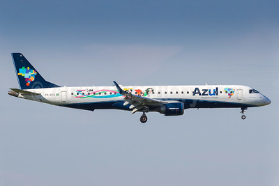 "Azul's 2016 ""PowerPuff Girls"" promotional livery"