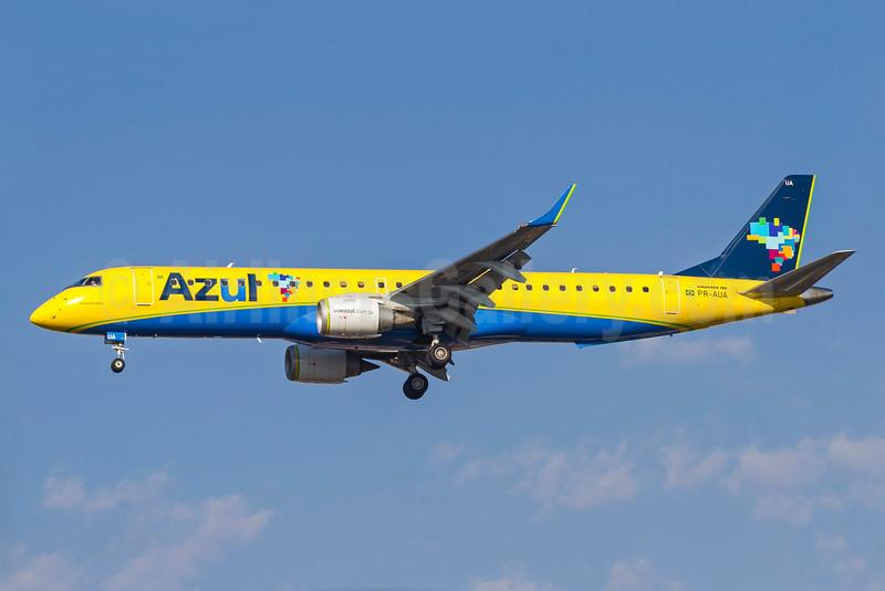 Azul Linhas Aereas Brasileiras Embraer ERJ 190-200 IGW (ERJ 195) PR-AUA (msn 19000652) CGH (Rodrigo Cozzato). Image: 929510.
