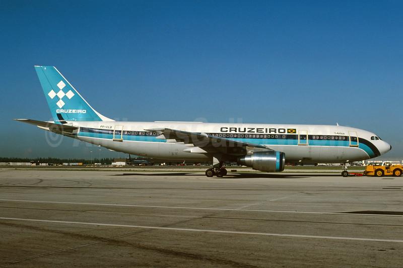 Cruzeiro Airbus A300B4-2C PP-CLB (msn 110) MIA (Bruce Drum). Image: 104123.