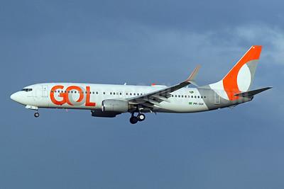 Gol Transportes Aereos Boeing 737-8EH SSWL PR-GUI (msn 35844) MIA (Brian McDonough). Image: 948952.