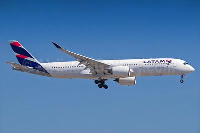 LATAM Airlines (Brazil) Airbus A350-941 PR-XTE (msn 048) GRU (Rodrigo Cozzato). Image: 938098.