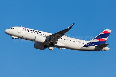 LATAM Airlines (Brazil) Airbus A320-271N WL PR-XBC (msn 8596) GRU (Rodrigo Cozzato). Image: 952181.