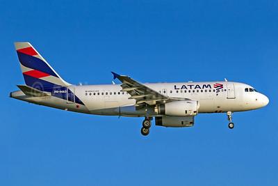 LATAM Airlines (Brazil) Airbus A319-132 PR-MAO (msn 1837) GRU (Rodrigo Cozzato). Image: 940070.
