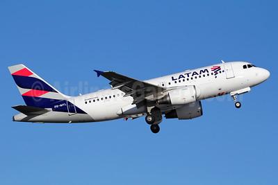 LATAM Airlines (Brazil) Airbus A319-112 PR-MYL (msn 4734) SDU (Marcelo F. De Biasi). Image: 936552.