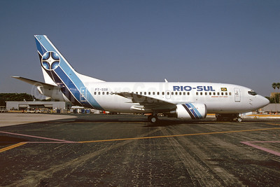 Rio-Sul Boeing 737-5Q8 PT-SSB (msn 27629) MIA (Bruce Drum). Image: 103777.