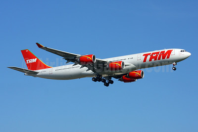TAM Brasil (TAM Linhas Aereas) Airbus A340-541 PT-MSN (msn 445) GRU (Marcelo F. De Biasi). Image: 900114.